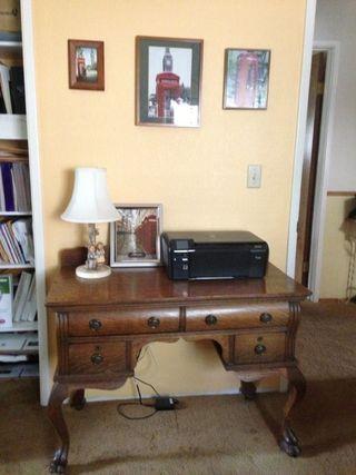 Printer desk